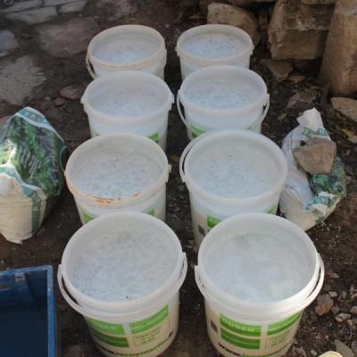 Après l'introduction des trois premiers litres de CaO. Le mélange est à peine chaud.
